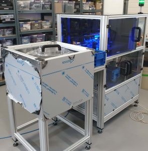 Machine for optical control of plastic parts